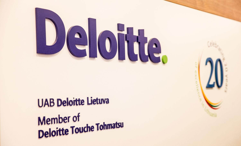 """""""Deloitte"""" ir Ūkio bankas susitarė dėl kompensacijos už netinkamą auditą"""