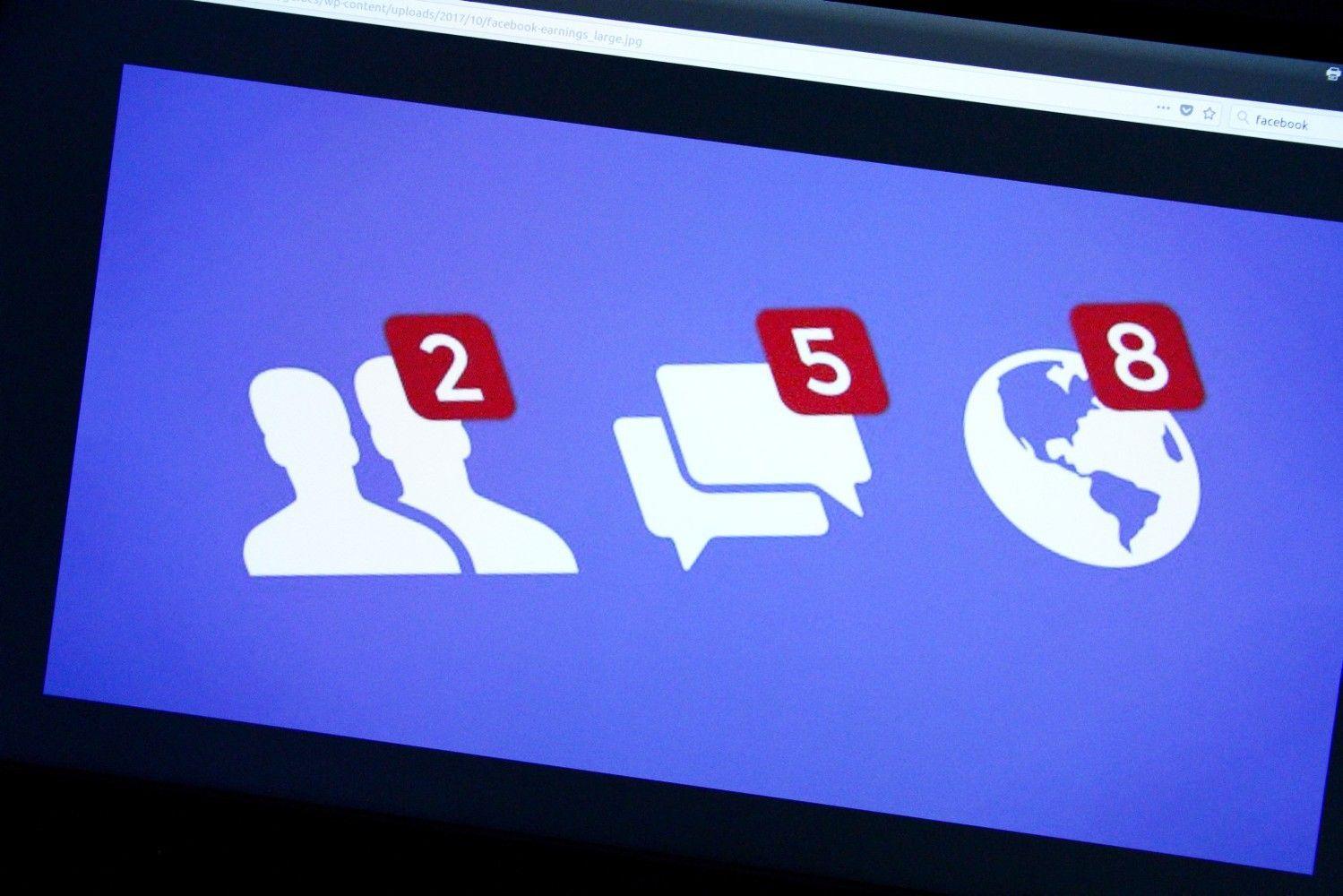 """""""Facebook"""" ištrynė šimtus Rytų Europoje """"Sputnik"""" administruotų paskyrų"""