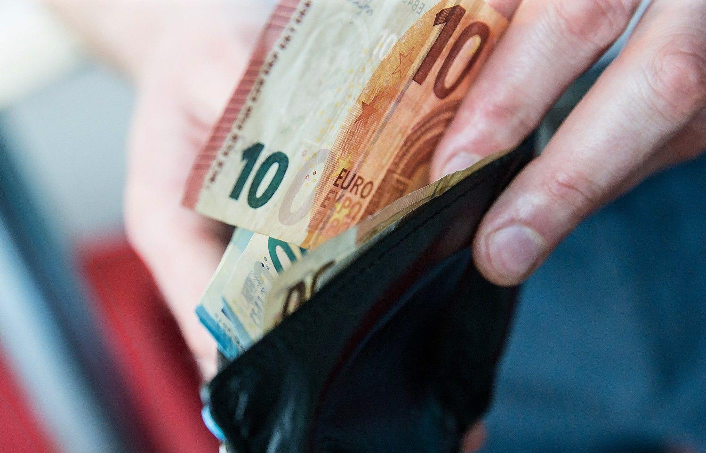 Teismas pratęsė areštą iš E.Masiulio per kratą paimtiems pinigams