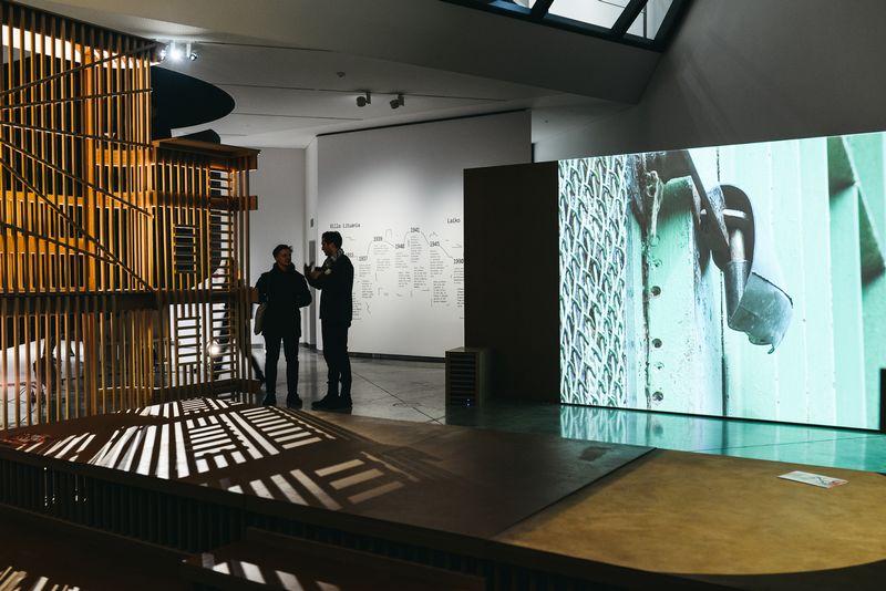 """Gedimino ir Nomedos Urbonų instaliacija """"Villa Lituania"""". MO muziejaus nuotr."""