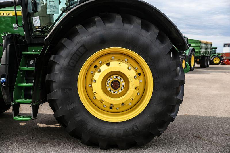 Antrąjį praėjusių metų pusmetį sausra žemdirbių investicijas pristabdė, todėl neišsipildė žemės ūkio technikos pardavėjų lūkesčiai., Vladimiro Ivanovo (VŽ) nuotr.