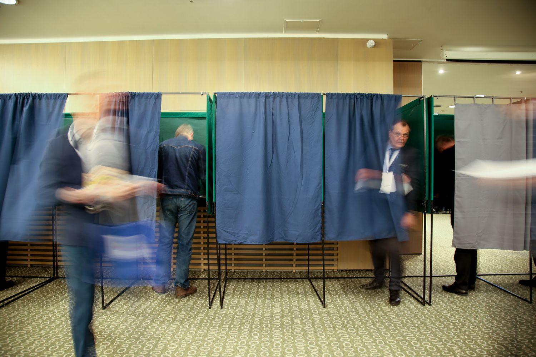 Apylinkių rinkimų komisijoms trūksta maždaug šimto narių