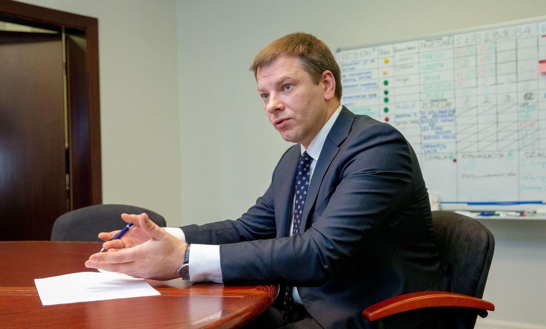 Finansų ministras: taršius automobilius anksčiau ar vėliau teks apmokestinti