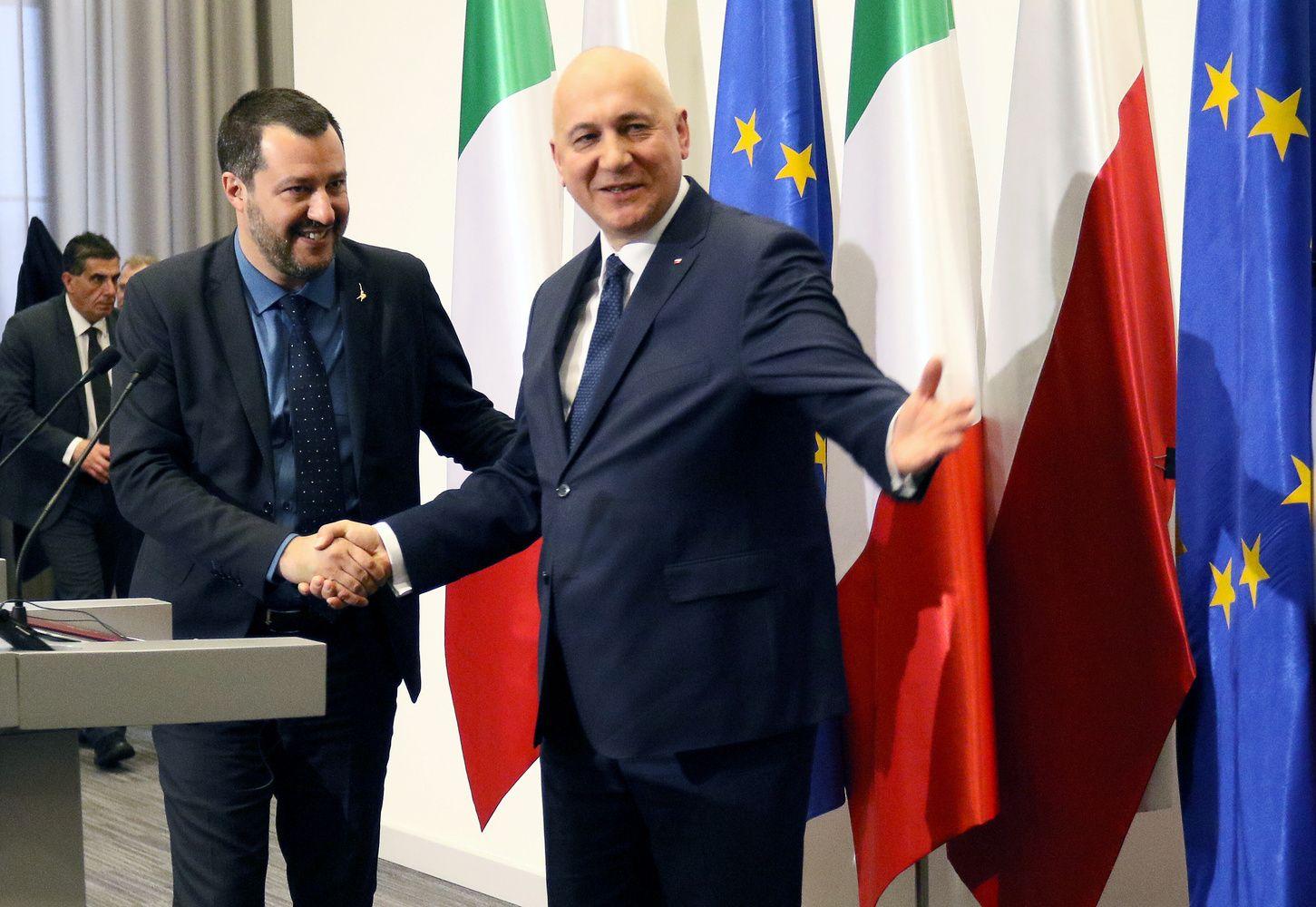 Italijos populistai vilioja lenkų valdančiuosius kartukeisti ES kryptį