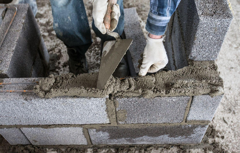 Kriminalistai išaiškino šešėliniu statybų verslu įtariamą organizuotą grupę