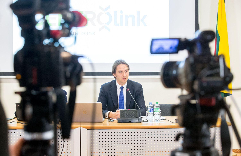 M. Jurgilas: ne�lugdykime investuotoj� pasitik�jimo Lietuva