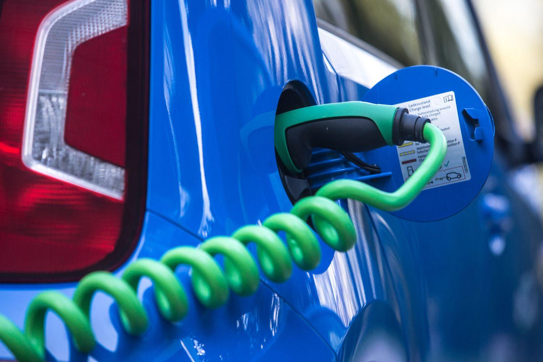 Automobilių pramonėje sumaištis: kaip išlošia tiekėjai