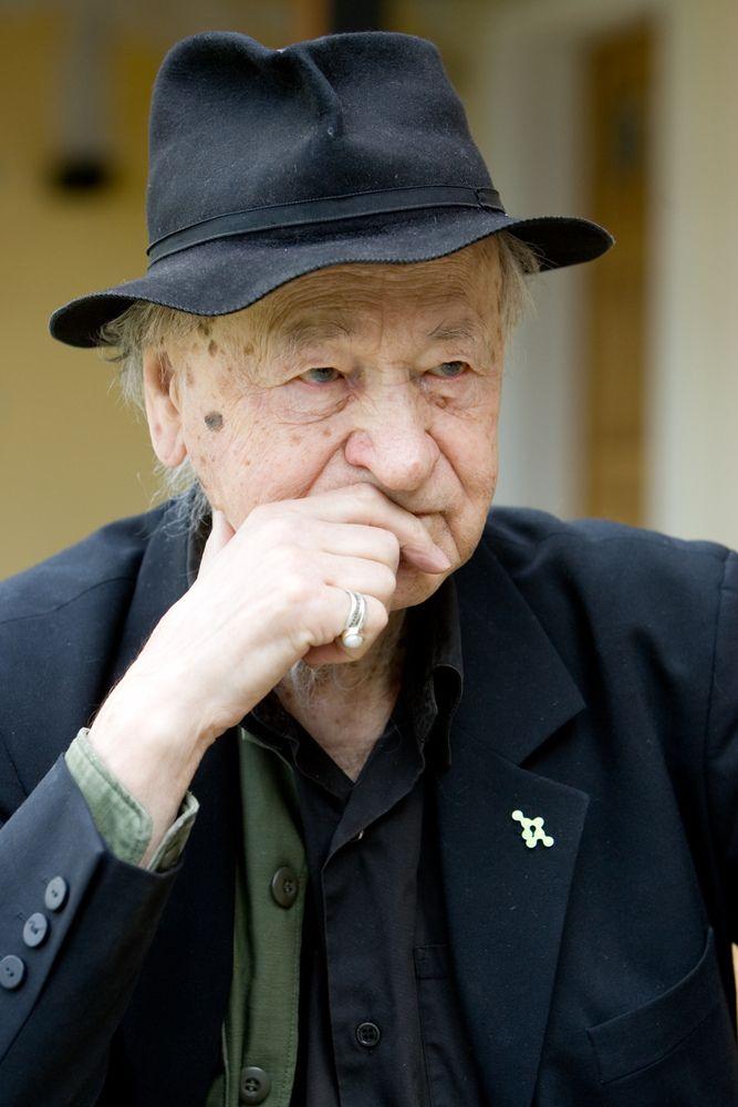 Mirė menininkas Jonas Mekas