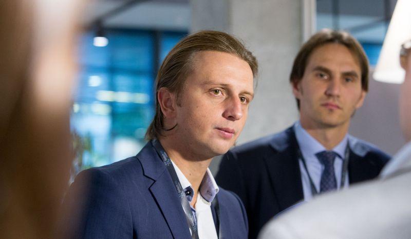 """Finansinių paslaugų startuolio """"Revolut"""" vadovas Nikolajus Storonskis (kairėje) ir Marius Jurgilas,  Lietuvos banko valdybos narys. Juditos Grigelytės (VŽ) nuotr."""