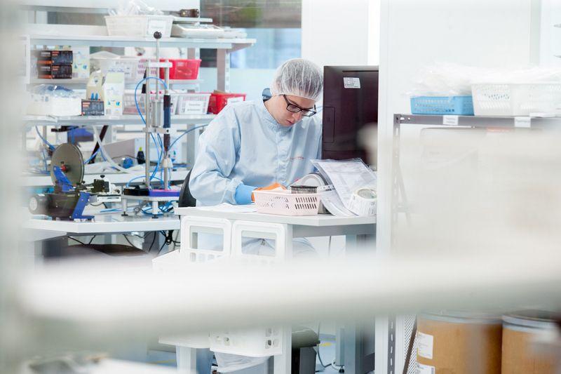Lietuvą vis dažniau pasiekia aukštą pridėtinę vertę kuriančių užsienio kompanijų investicijos, kurios kuria stabilias ir gerai mokamas darbo vietas šalyje. Juditos Grigelytės (VŽ) nuotr.