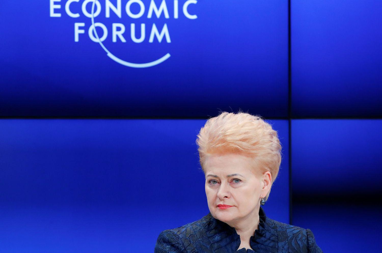 Prezidentė Davose kvietė laužyti stereotipus ir skatinti moterų lyderystę