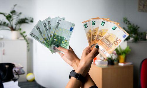 Didesnė premija į pensijų fondą ar mažesnė – į sąskaitą