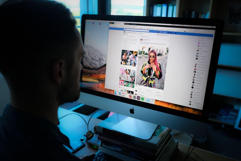 Bandymai atversti naują socialinių tinklų puslapį dėl paslėptos reklamos