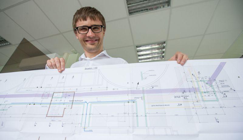 """Simonas Barsteiga, Šveicarijos inžinerinio projektavimo bendrovės """"CSD Engineers"""" filialo Lietuvoje """"CSD Inžinieriai"""" vadovas: """"Akcininkai ir nesitiki, kad didelę patirtį turintis žmogus projektuotų konstrukcijas ir skaičiuotų taip pat sparčiai kaip jaunas specialistas."""" juditos Grigelytės (VŽ) nuotr."""