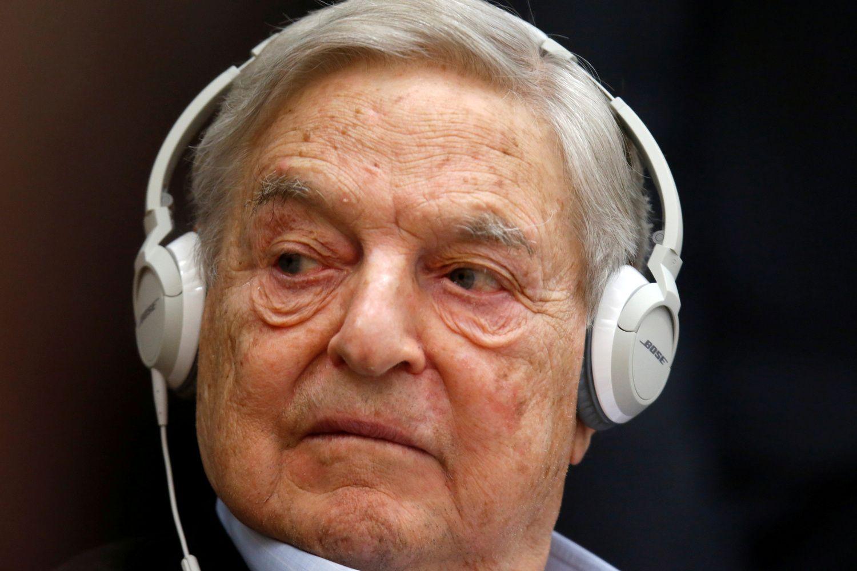 Lenkų valdantieji gali blokuoti G. Soroso investiciją į radijo stotį