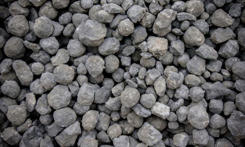 Cemento žaliava klinkeris. Vladimiro Ivanovo (VŽ) nuotr.