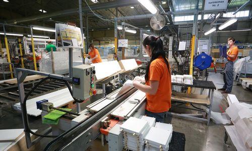 """""""Kauno baldai"""": pardavimų šuolis Beniliukso šalyse lėmė 25% pajamų augimą"""