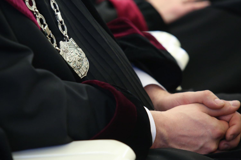 Teismas nušalino korupcija įtariamą Anykščių rajono merą nuo pareigų