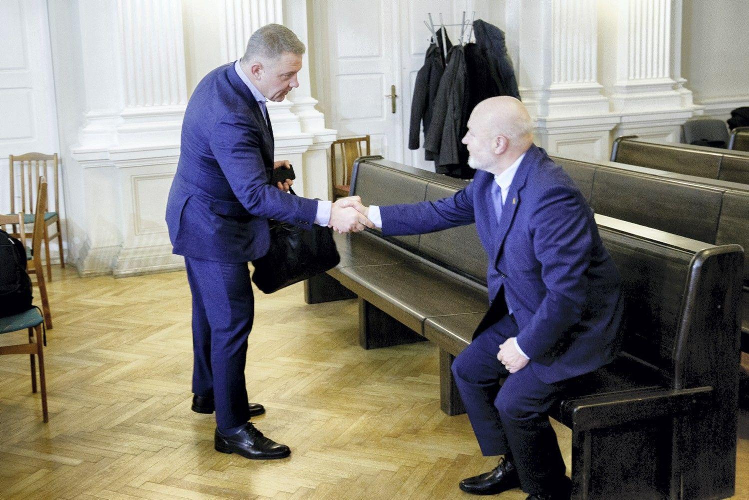 """E. Gentvilas teisme pareiškė, kad su E.Masiuliu apie """"MG Baltic"""" beveik nekalbėjo"""