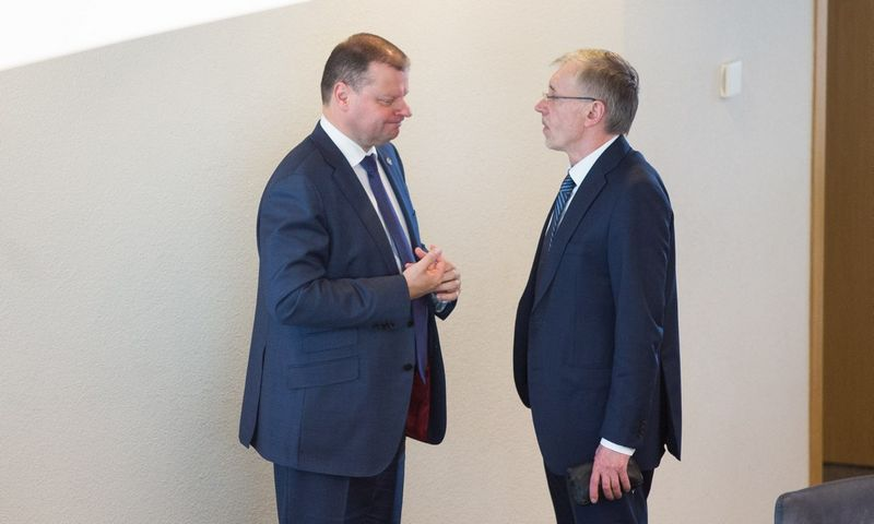Gedimino Kirkilo (dešinėje) vadovaujama LSDDP nusprendė prezidento rinkimuose paremti premjero Sauliaus Skvernelio kandidatūrą. Irmanto Gelūno (15min.lt) nuotr.