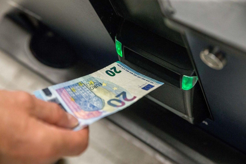 Vasarį keičiasi dalies bankų įkainiai