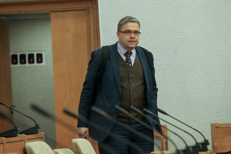 V. Vasiliauskas: rizika ekonomikos stabilumui – prekybos lėtėjimas bei NT rinka