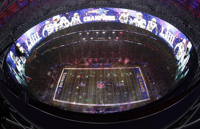 "Amerikoje praūžėsporto ir reklamos šou – ""Super Bowl"""