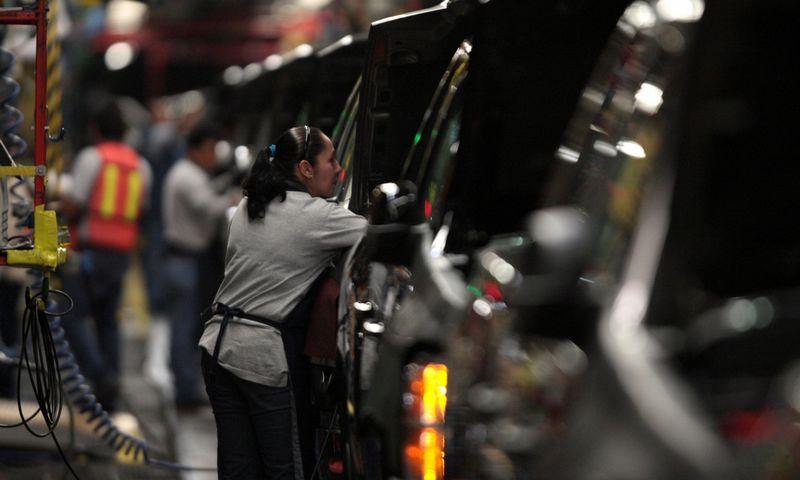 """""""General Motors"""" ketina uždaryti kelias gamyklas ir atleisti tūkstančius darbuotojų. Henrio Romero (""""Reuters"""" / """"Scanpix"""") nuotr."""