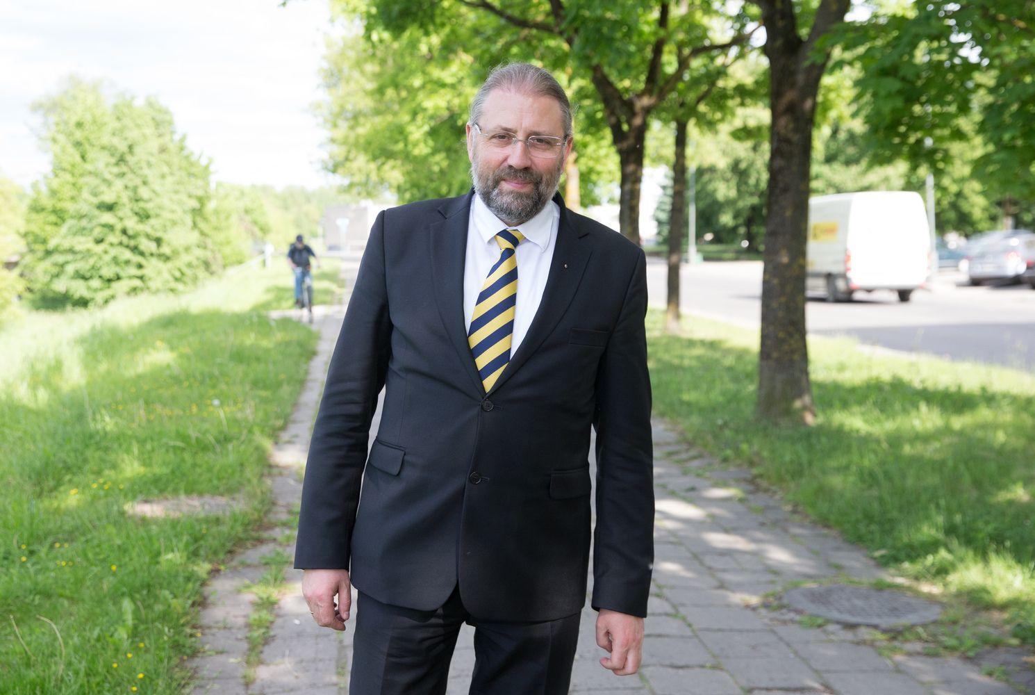 VRK panaikino R. M. Račkausko ir K. Tubio teisinę neliečiamybę