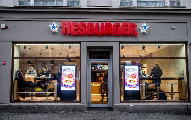 """Greito maisto restoranas """"Hesburger"""" Vilniuje, Didžiojoje gatvėje. Juditos Grigelytės (VŽ) nuotr."""