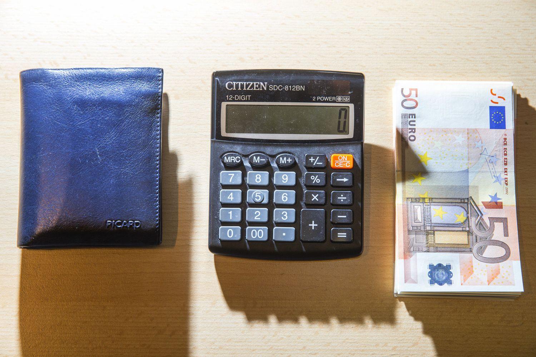 Algoms vėluoti priežasčių nėra: skaičiavimus apskaitos įmonės atliko laiku