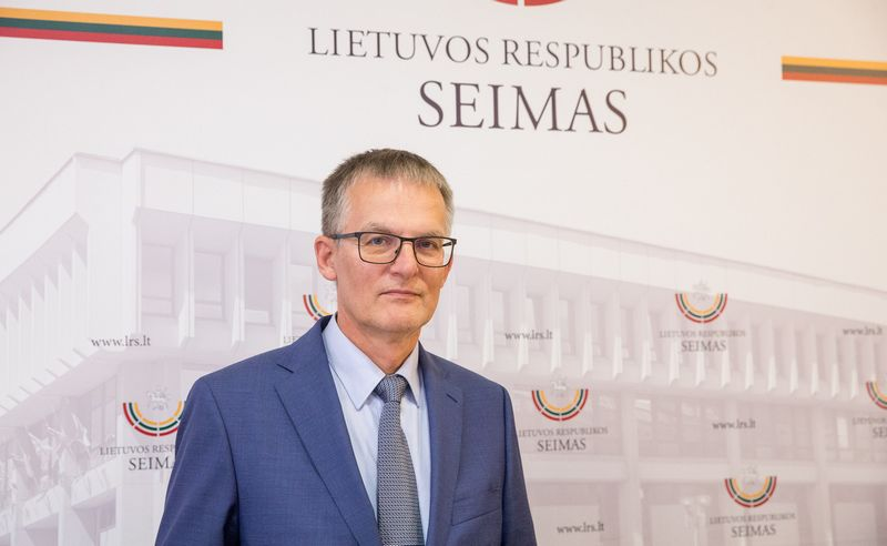 Socialdemokratas Julius Sabatauskas siūlo įstatyme numatyti 15 dienų terminą, per kurį turi būti prezidentui pateiktas kandidatas į ministrus. Juditos Grigelytės (VŽ) nuotr.