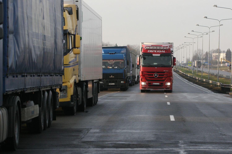 Lietuva ir dar 4 šalys ragina neskubėti su ES mobilumo paketu