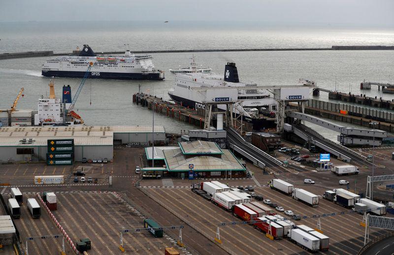 "Doverio perkėla, jungianti JK su žemynine Europa. Peterio Nichollso  (""Reuters"" / ""Scanpix"") nuotr."