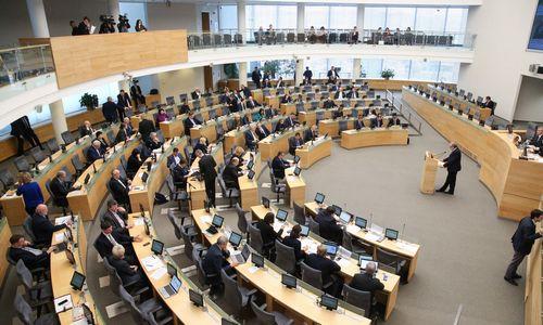 Seimas sutiko su prezidentės veto dėl tarnybinių butų