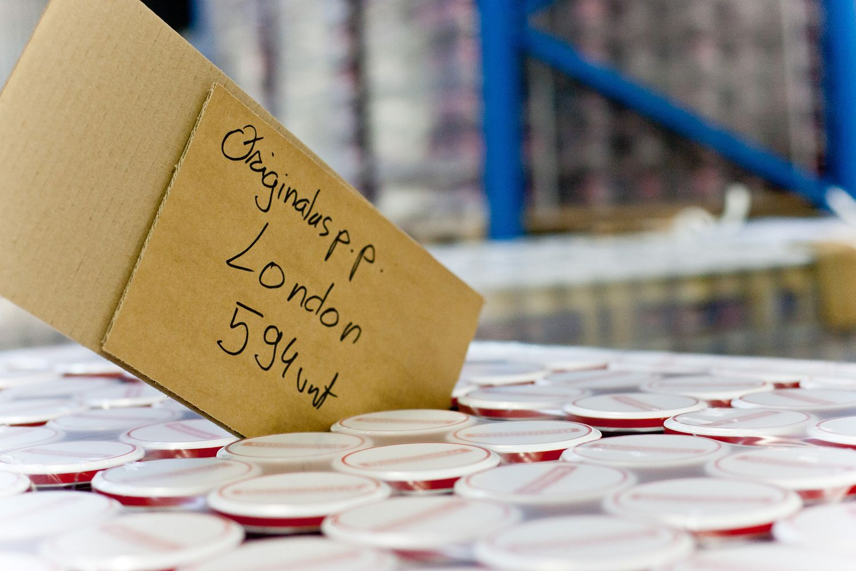 """Prekių žymėjimas po """"Brexit"""": rekomenduos užklijuoti senas etiketes"""