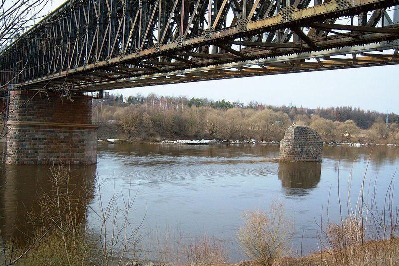 """Jonavos geležinkelio tiltas. """"Wikimedia Commons"""" nuotr."""