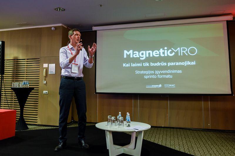 """""""Magnetic MRO"""" valdybos pirmininkas Jonas Butautis VŽ konferencijoje """"Verslo valdymas 2018: strategija ir komanda"""". Ryčio Galadausko (VŽ) nuotr."""