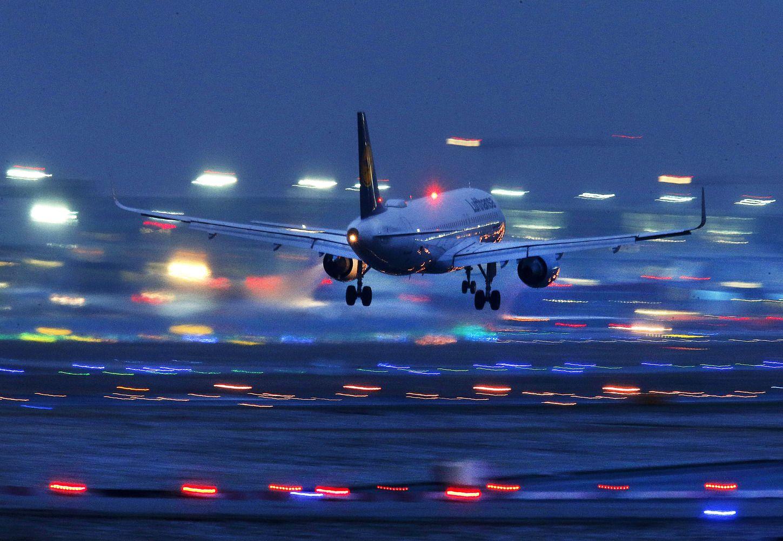 """""""Lufthansa"""" keleivį padavė į teismą už tai, kad jis neskrido"""
