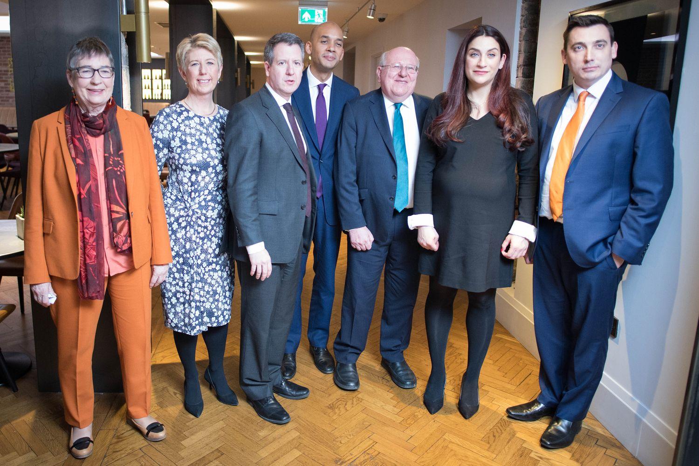 """Iš Leiboristų partijos dėl """"Brexit"""" nesutarimų traukiasi septyni nariai"""