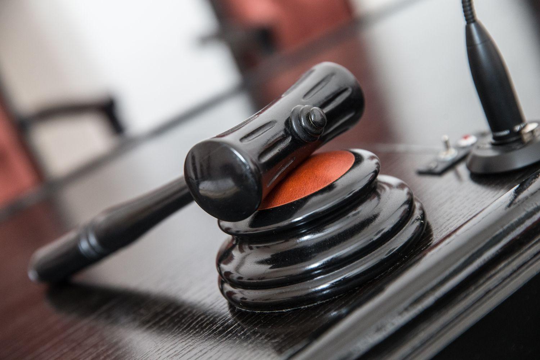 """Teisme – dviejų """"Panevėžio kelių"""" akcininkų ginčas dėl """"Pokšto"""""""