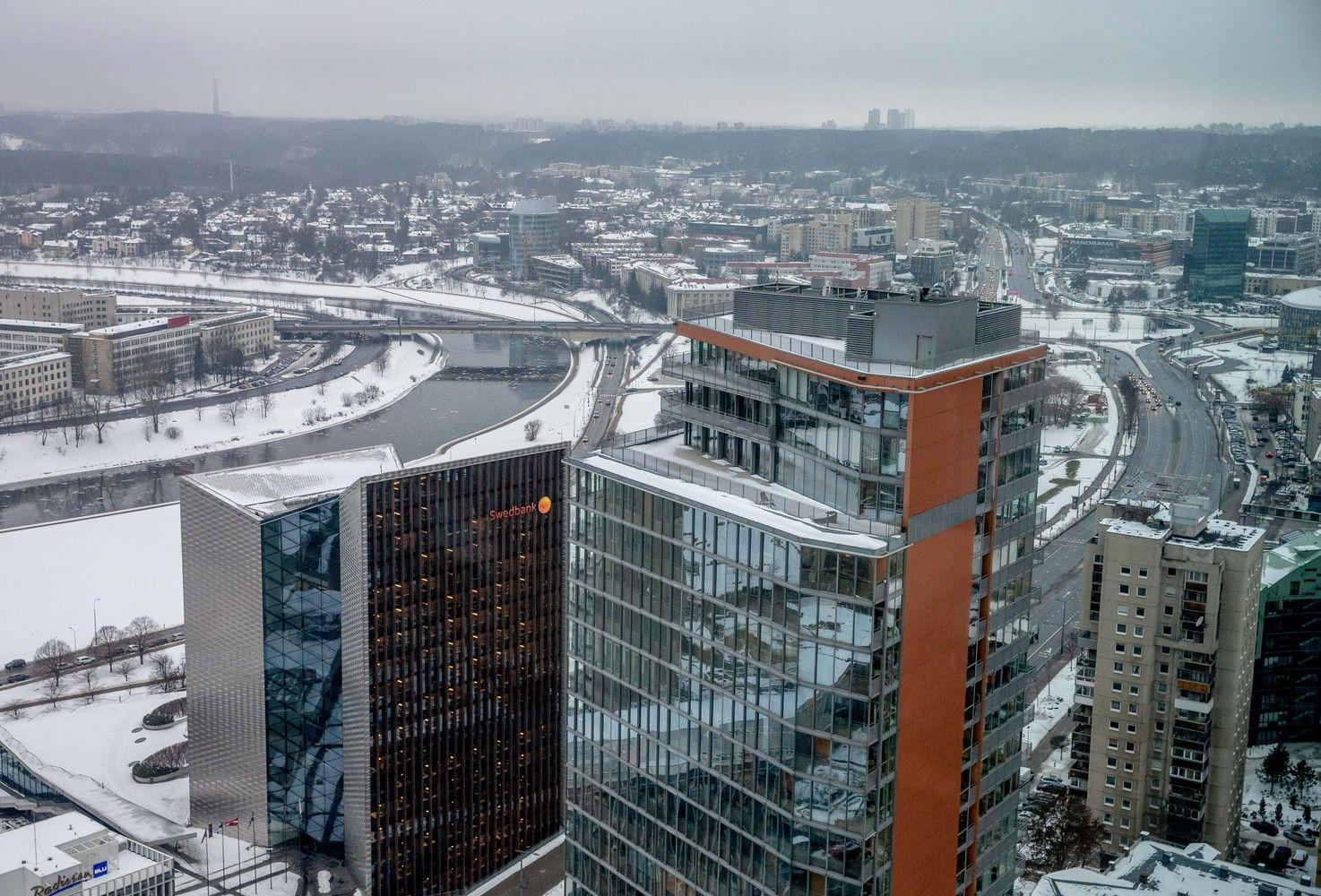 """Kaltinimai """"Swedbank"""" pinigų plovimu – smūgis visai Baltijos šalių bankų sistemai"""