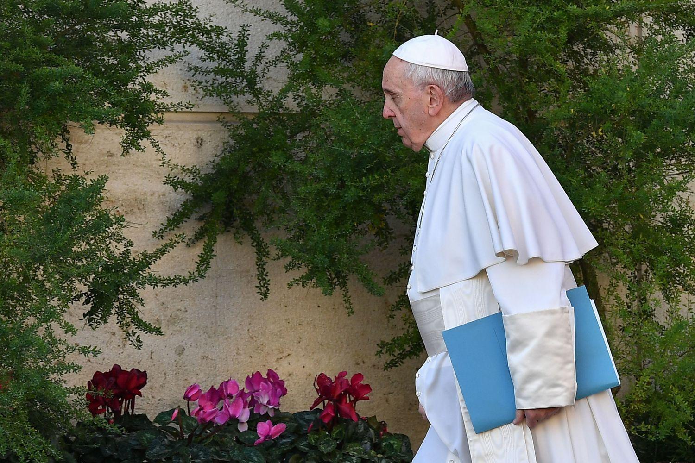 Katalikų bažnyčia mėgina vaduotis iš seksualinio išnaudojimo liūno