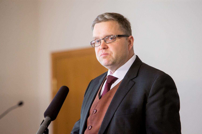 """Teismas: """"Lietuvos rytas"""" neprivalo už vėlavimą paneigti informaciją apieV.Vasiliauską mokėti baudą"""