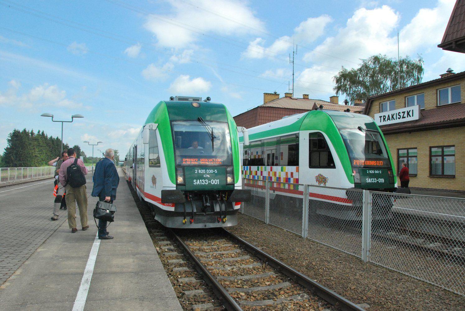 """""""Rail Baltica"""" projektas Latvijoje gali vėluoti maždaug 2,5 metų"""
