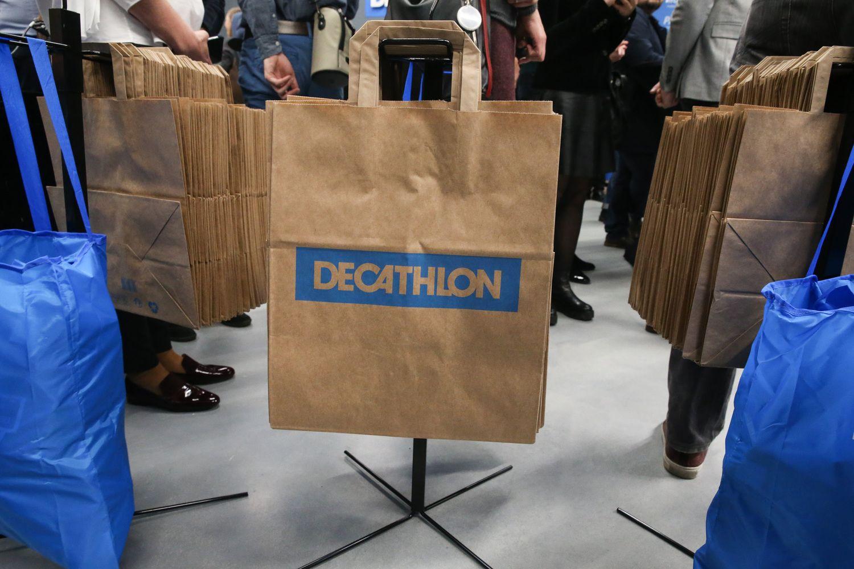"""""""Decathlon"""" srautą į fizinę parduotuvę didina e. prekyba"""