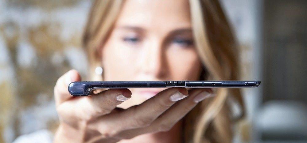 """Sulankstomų telefonų metai – """"Huawei"""" pristatė atsaką """"Samsung Galaxy Fold"""""""