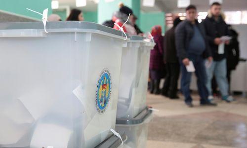 Moldovos parlamento rinkimuosenė viena partija negavo daugumos