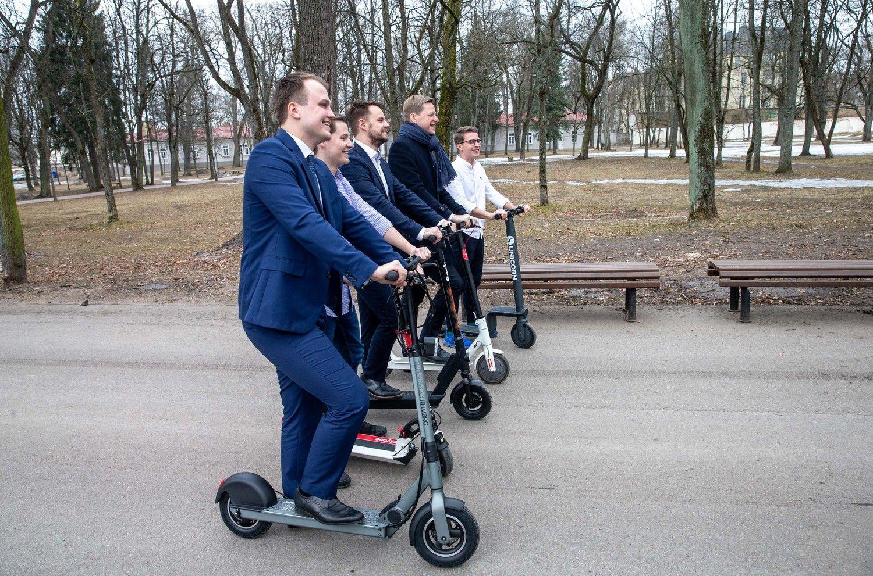 Vilniuje – 1.000 elektrinių paspirtukų parkas, taikinyje ir kiti miestai