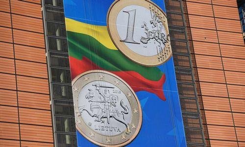 EK Lietuvai rašo gerą pažymį, ekonomistai beda į vertės nekuriančias investicijas
